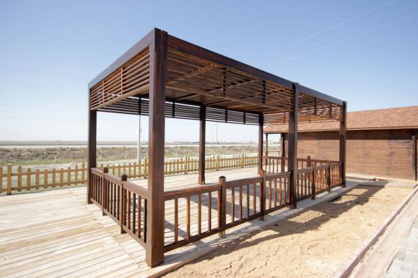 Struttura in legno per locali con decking