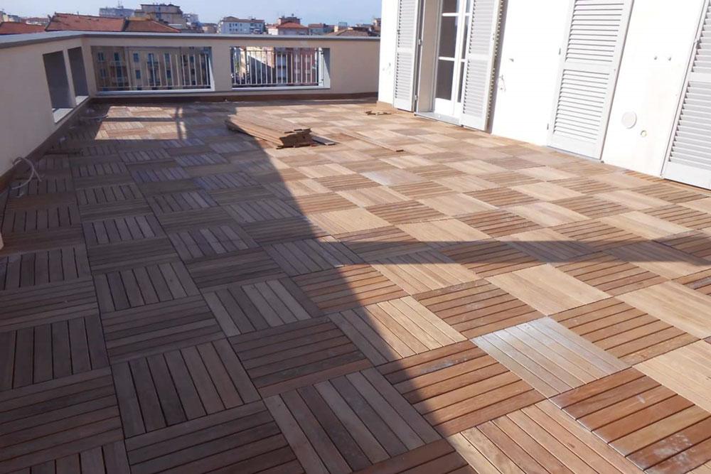 Pavimenti in legno per terrazzi e balconi - Listoni e mattonelle