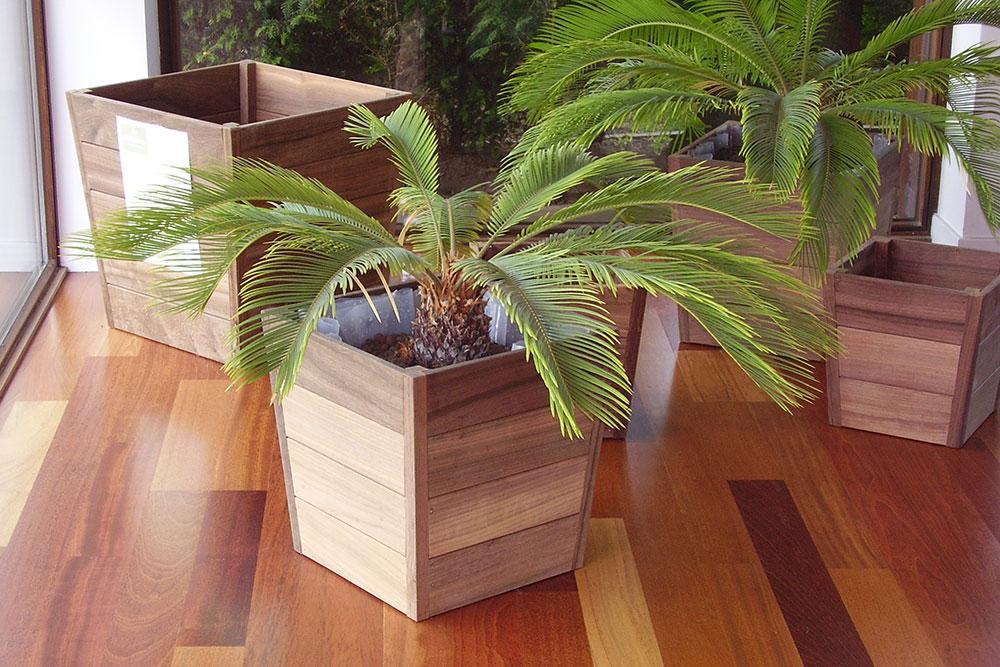 Fioriere e accessori in legno per giardini e balconi for Giardini arredo