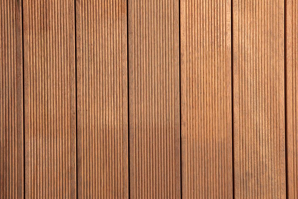 Listone per pavimentazioni e rivestimenti in legno massello